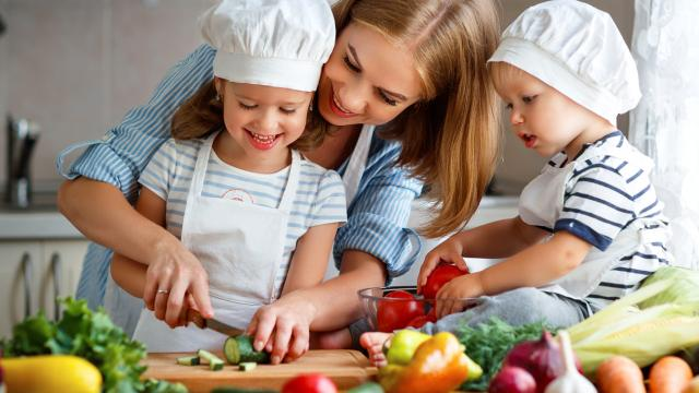 The Struggle is Real Parenting Podcast - Cooking up Nutrition for the Whole Family